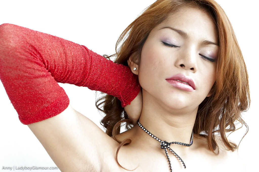 Adorable Thai T-Girl Anny Fondling Her Splendid Ladyboy Boobs