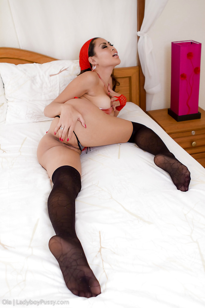 Beautiful Asian Femboy Ola Plays With Breasts While Wanking Pussy