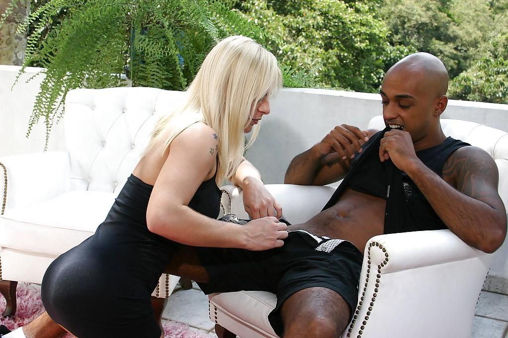 Beautiful Blonde Latina Tranny Thays Schiavinato Sucking Cock Off Enormous BBC