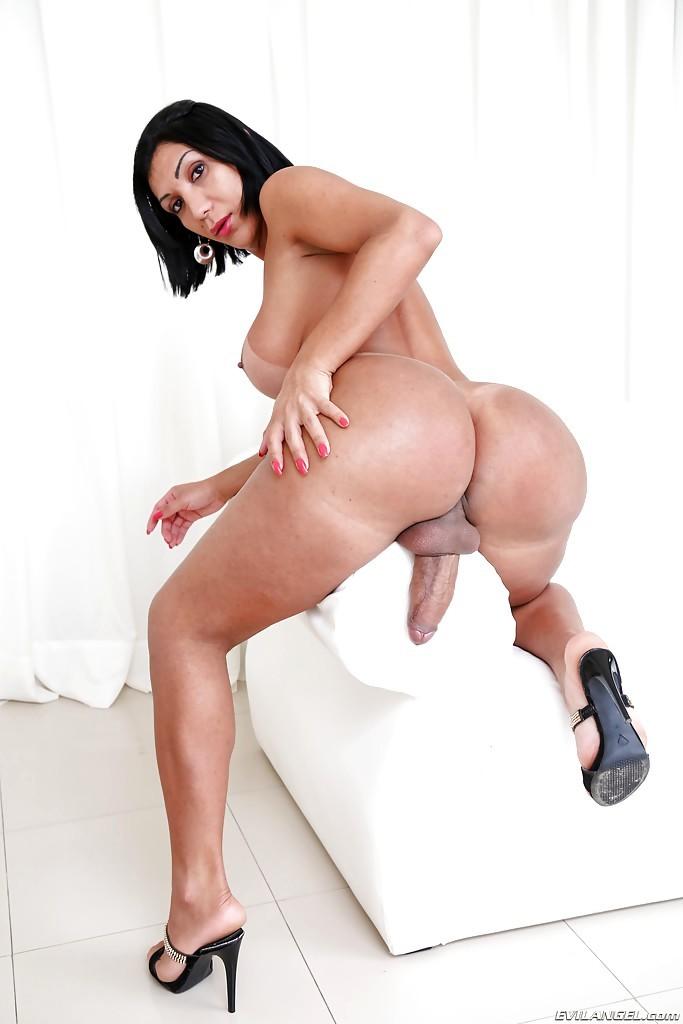 Beautiful Latina Ladyboy Sabrina Suzuki Showing Off Sensuous Huge Booty