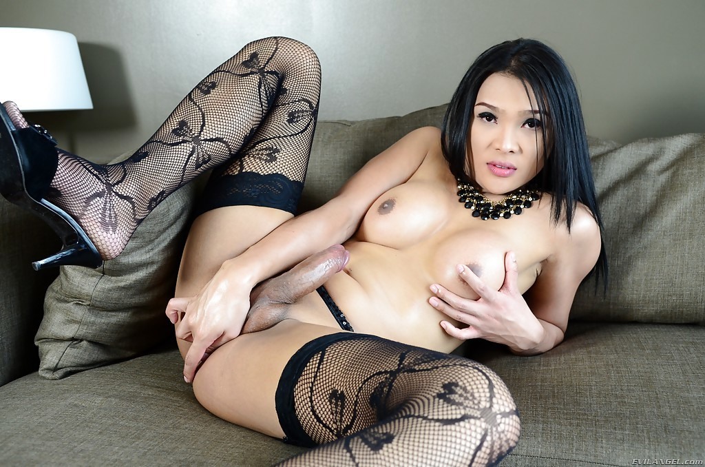 Beautiful Thai Shemale Fanta Spreading In Heels And Stockings