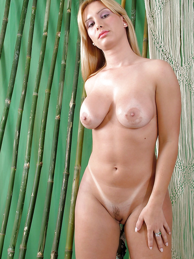 Blonde Solo Femboy Laura Trajano Showing Off Huge Boobs And Massive Butt
