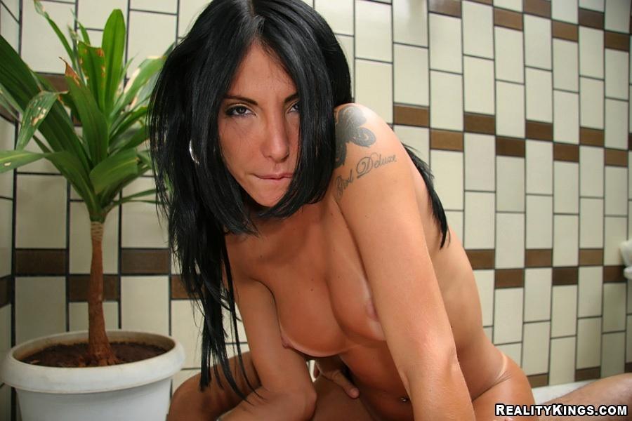 Brunette Latina Tgirl Wanessa Maitzel Spreading Her Shaved Ass-Hole