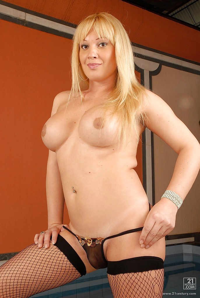 Busty Blonde Latina Shemale Duda Dihl Stripping And Getting Rough
