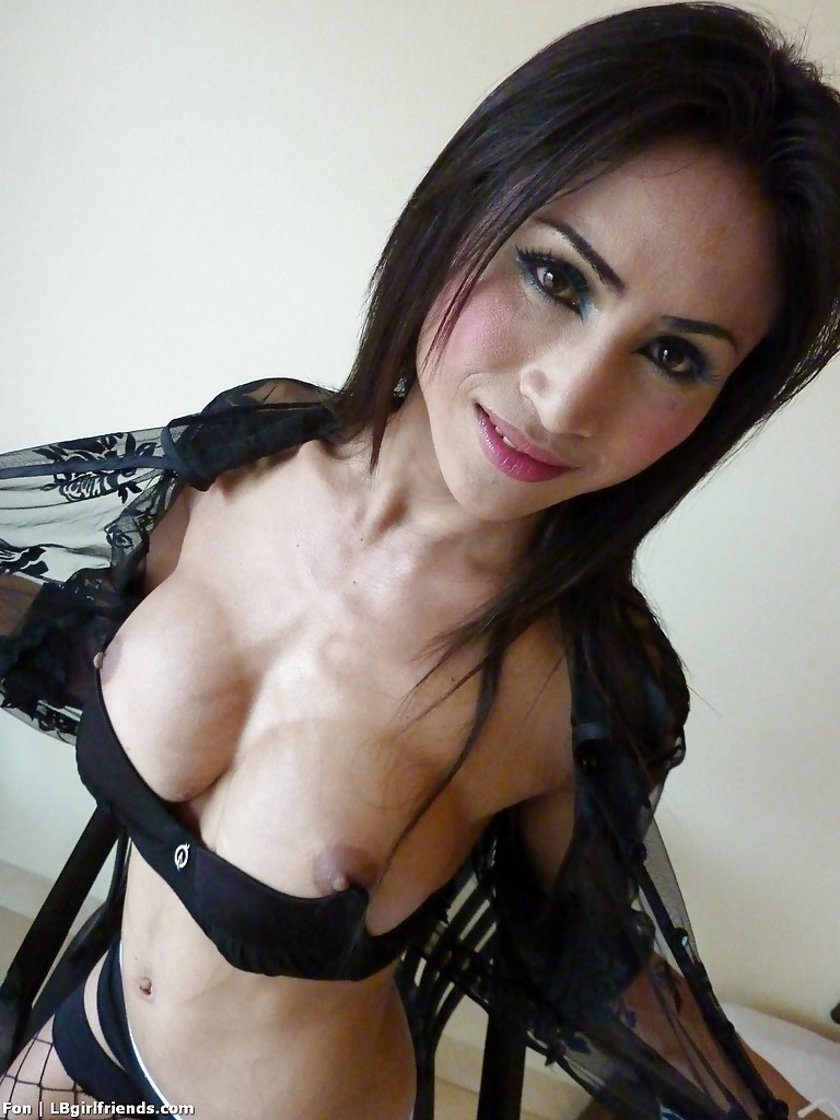 Busty Thai TGirl Fon Flashes Off Sweet Breasts And Shaved Tgirl Tool