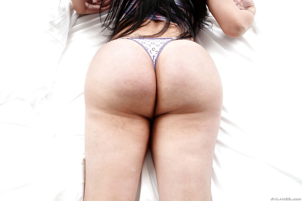 Chunky Latina Transexual Nicole Montero Showing Off Her Massive Juicy Ass-Hole