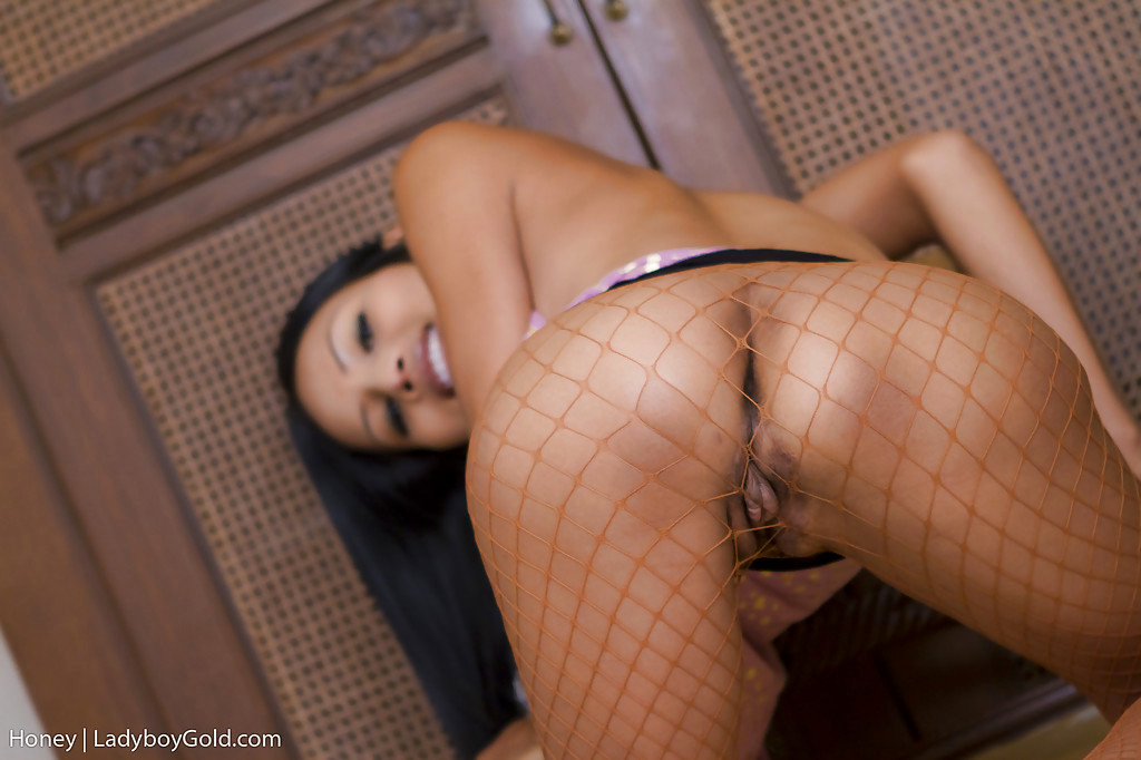 Cute Young Thai Tgirl Honey Playing With Her TGirl Pussy In High Heels