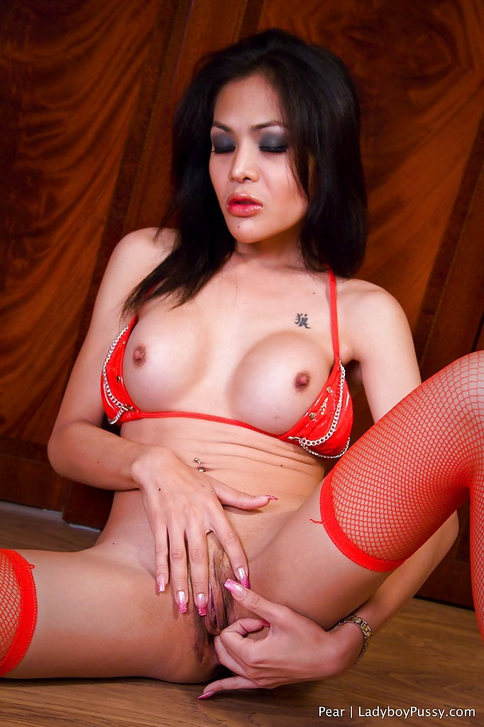 Gorgeous Massive Tit Thai Tranny Pear Rubbing Her Inviting Pussy In High Heels
