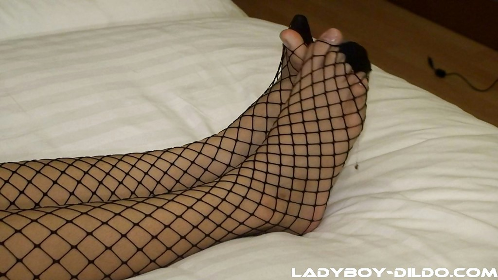 Huge Tit Teen Asian Tranny Zaza Playing With Her Feet And Her Massive Toy