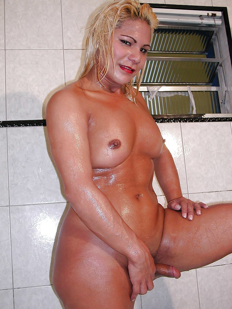 Hung T-Girl Shirley Shows Us Off Her Huge Penis And Massive Butt In The Bath