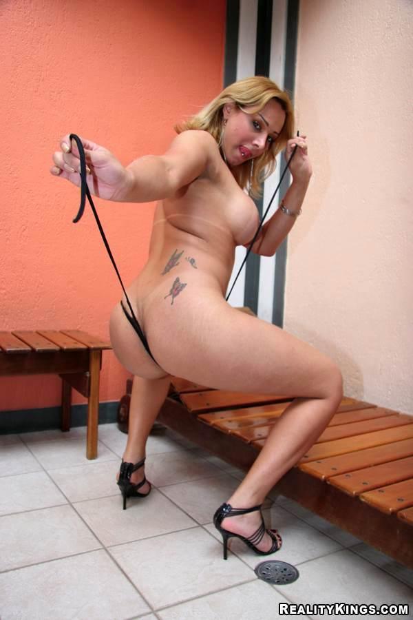 Mature Blonde Latina Ladyboy Vakiria Drumond Getting Jizz On Her Tits