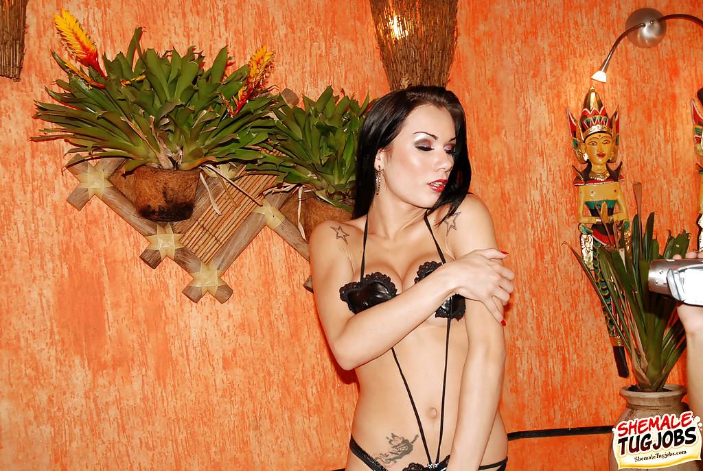 Nice Latina Solo Femboy Calena Rios Wanking Shaved Tool In Bathtub