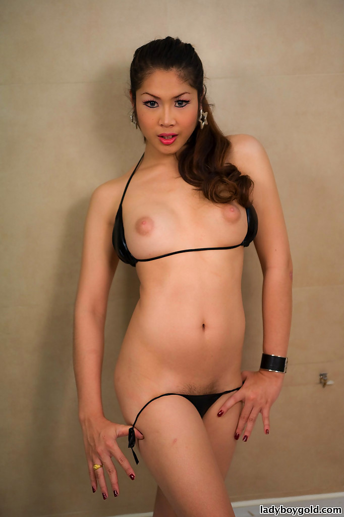 Nude Tgirl Sakura Shows Us Off Enormous Ladyboy Breasts In The Shower