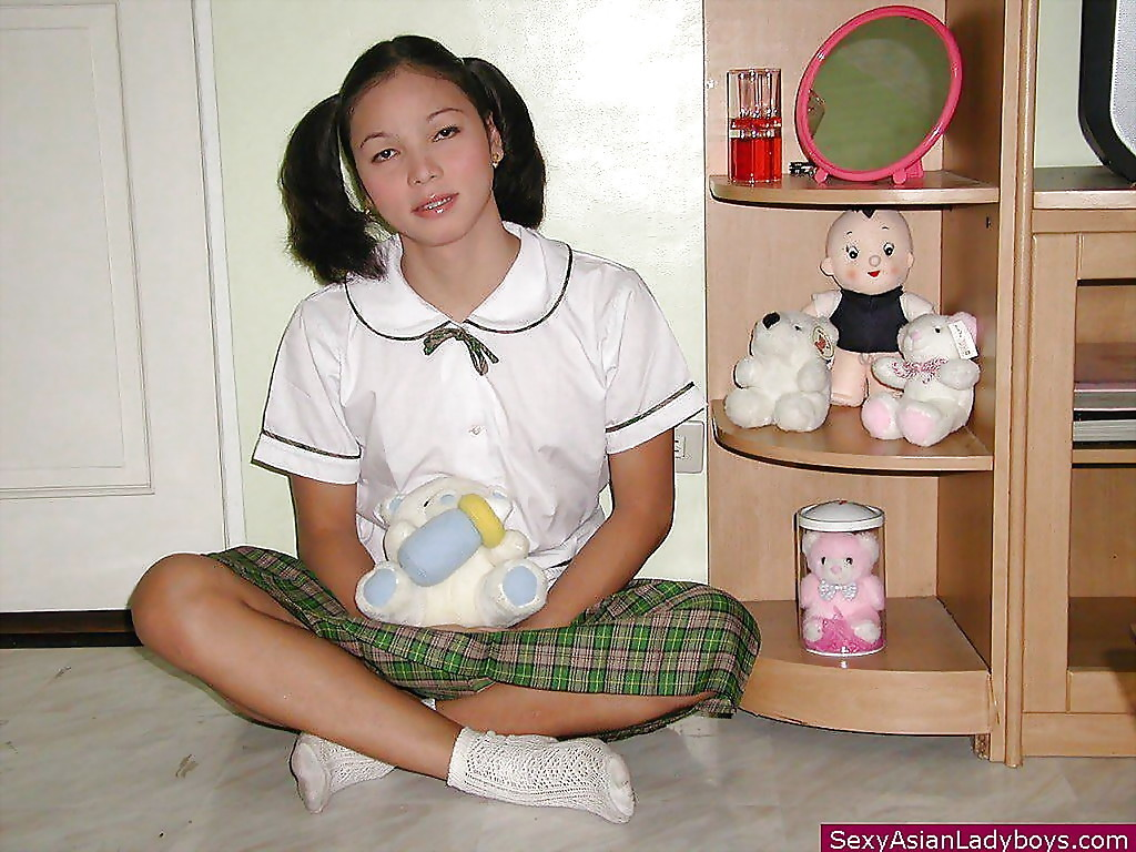 Perfect T-Girl In Pigtails Lifs Skirt For Sweet Up Skirt Of Arousing Panties