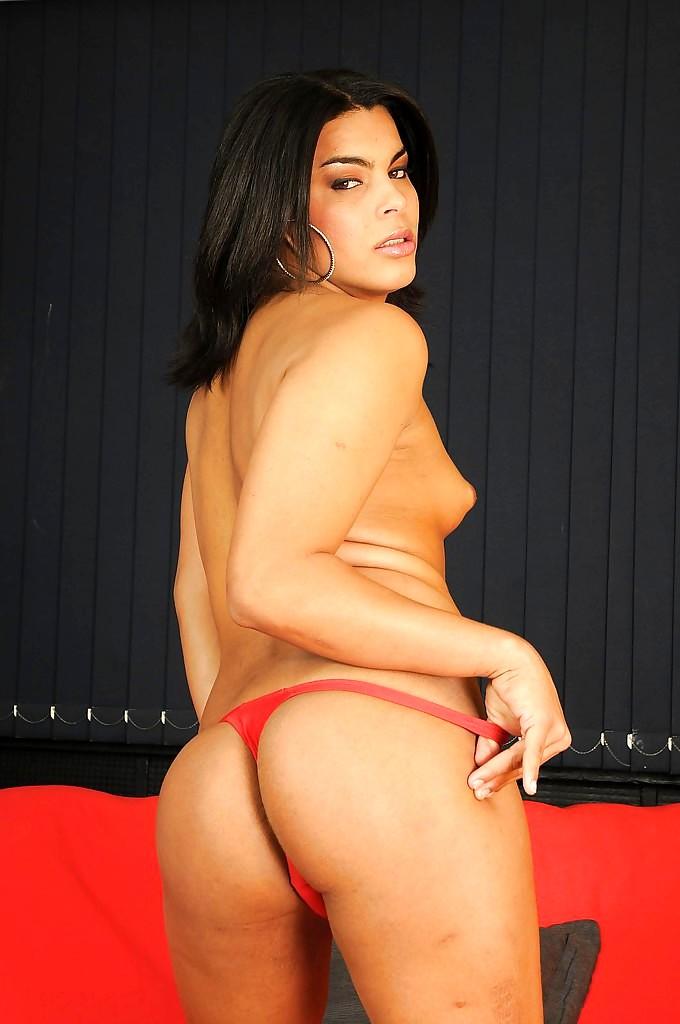 Petite Tit Thai TGirl Renata Nascimento Getting Barebacked In Heels