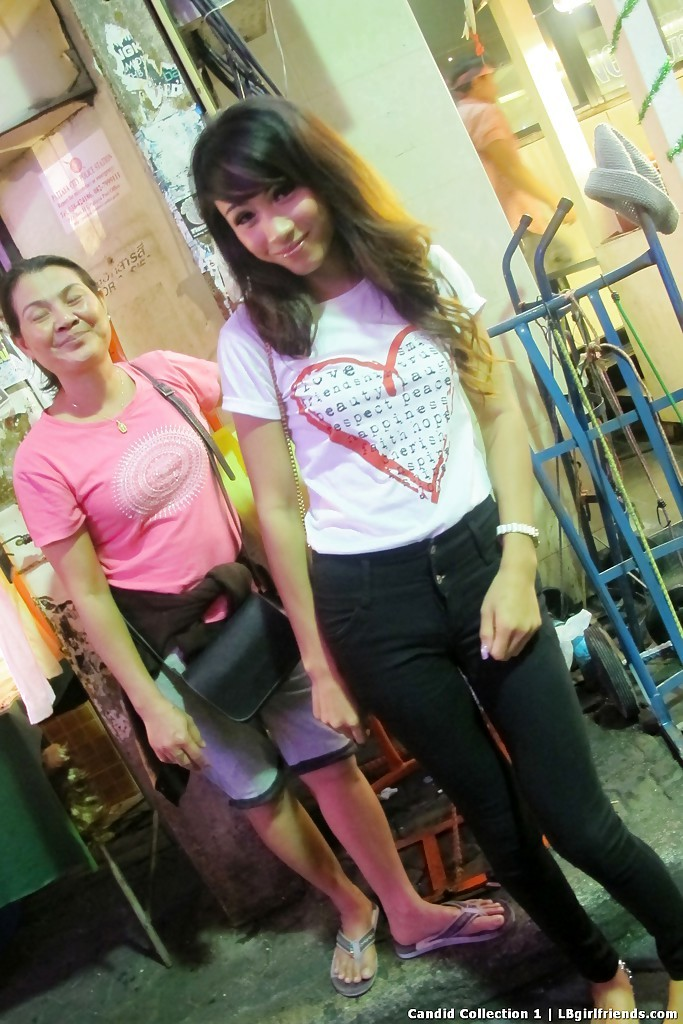 Sensual Asian Transexuals Walking Public Streets Looking For Sex Dates