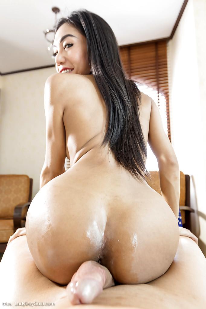 Slender Asian Tgirl Mos Giving BJ Before Taking BB Anal From Massive Dick
