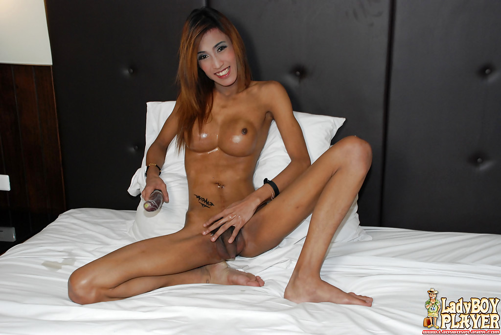 Slim Thai T-Girl Icey Exposing Huge Tits While Modeling Solo