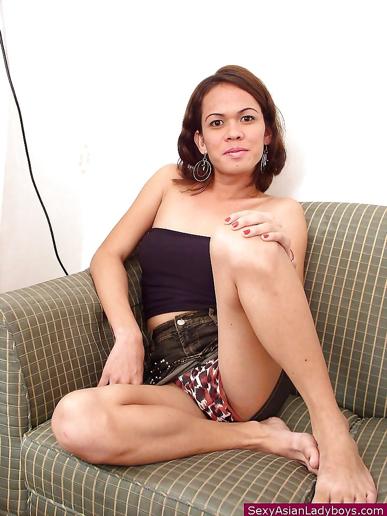 Slim Thai T-Girl With Flat Chest Masturbating Off Shaved Transexual Penis