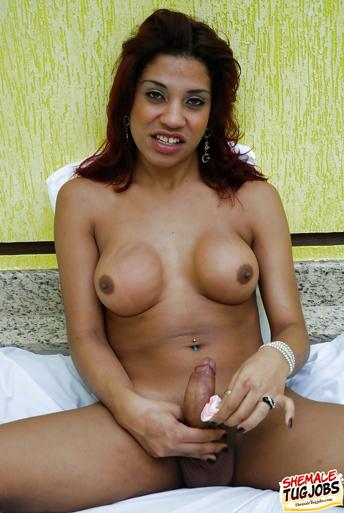 Solo Latina Model Natalia Dos Santos Flashing Massive Boobs Before Wanking