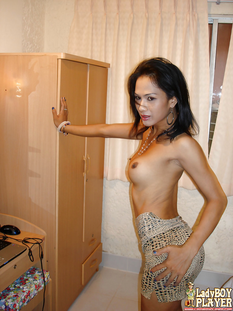 Solo Thai T-Girl Ann Taking Her Hairy Shecock To The Shower