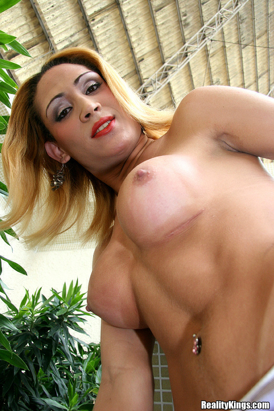 Sperm Loving Latina T-Girl Byanca Getting Hardcore With A Pulsating Penis