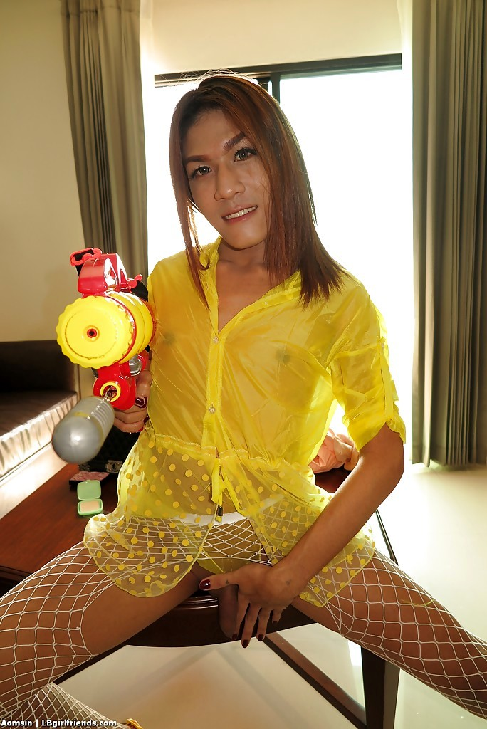 Thai T-Girl Aomsin Has Her Shecock Jerked By Guy That Is Barebacking Her