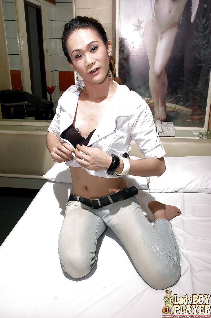 Thai TGirl Jenny Spreading For Masturbation Of Large Shecock