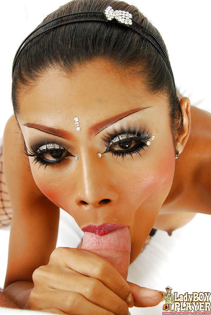 Thai TGirl On Male Blowjob And Facial Cumshot Compliments Of King
