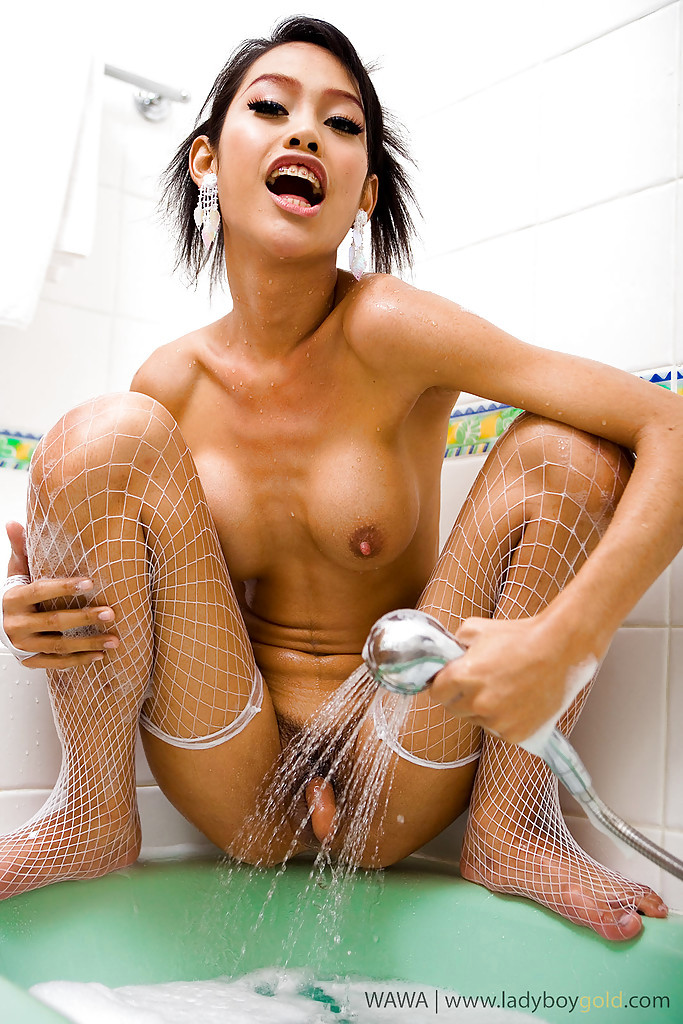 Young Thai T-Girl Wawa Fingers Her Own Ass-Hole In The Bathtub